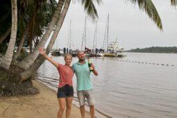 De Surinaamse rivier op